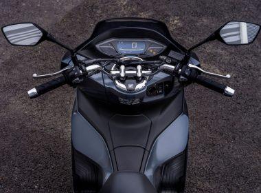 56943_21YM_PCX_USP_8259_Rider_view_ORIGINAL