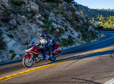 58491_21YM_GL1800_Tour_Candy_Ardent_Red_R367C_0965_preview