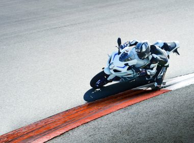 GSX-R1000RAL8_action_4