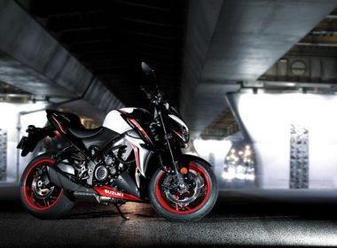 GSX-S1000YAL8_action_2