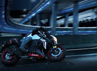 GSX-S1000YAL8_action_4