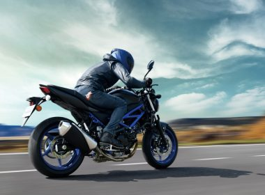 SV650AM1_action05