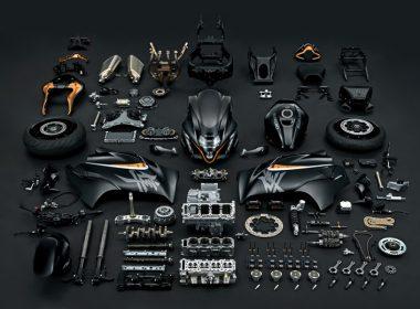 GSX1300RRQM2_disassembled_parts_1